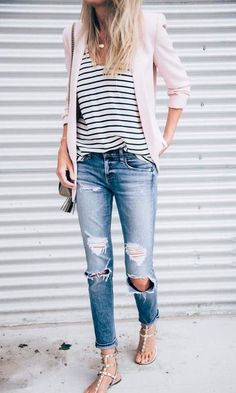 Spring Style // Boyfriend jeans with pink blazer. Spring Fashion Casual, Look Fashion, Autumn Fashion, Cheap Fashion, Korea Spring Fashion, Curvy Fashion, Feminine Fashion, Trendy Fashion, Korean Fashion