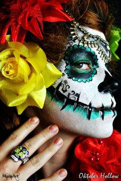 Sugar Skull Day of the Dead Face Paint    ManaArt Face & Body Painting and Oktober Hollow