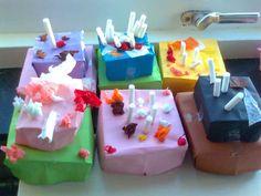 * Taartjes! Doosje(s) vouwen en versieren! I Love School, Dramatic Play, Love Craft, Easy Crafts For Kids, High Tea, Restaurant, Birthday Candles, Cake, Creative
