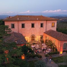 A Villa Mangiacane wedding planned by The Tuscan Wedding Photo by Stefano Santucci