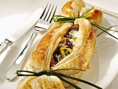 Food Decorations Page 9 Antipasto, Love Eat, Love Food, Vegetarian Recipes, Cooking Recipes, Brunch, Puff Pastry Recipes, Creative Food, Food Design
