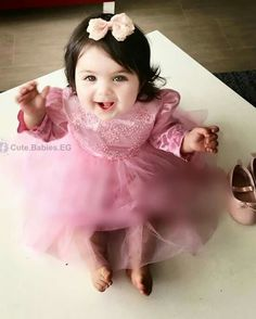 Discover our selection of baby girl , daughter detail pajamas & more. Cute Little Baby, Cute Baby Girl, Baby Love, Little Boy Fashion, Baby Girl Fashion, Kids Fashion, Cute Funny Babies, Cute Kids, Cute Baby Pictures