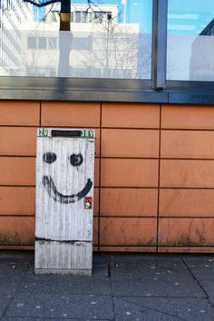 Click through to the blog to see plenty of beautiful street art in Hamburg!