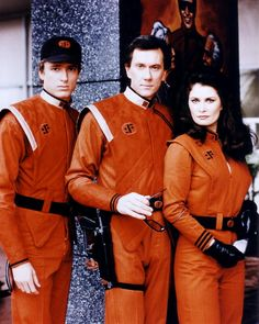 "V - don't be fooled by the resemblence to a typical ""earth family"" these Visitors may look like a ""modern family"" but Brian (Peter Nelson); Stephen (Andrew Prine) and Diana (Jane Badler) were not ""family"" and while they may have looked ""hawt"" they were definitely ""cold blooded""!!!"