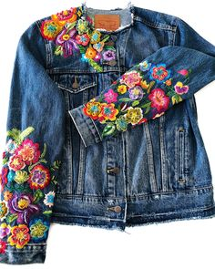 Image may include: standing individuals - Refashion Shirt Makeover, Denim Fashion, Boho Fashion, Fashion Tag, Mode Cool, Diy Kleidung, Denim Ideas, Painted Clothes, Altered Couture