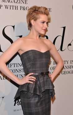 Evan Rachel Wood wearing Gucci at The Ever Changing Face of Beauty video installation by Sølve Sundsbø presented in NYC, February Evans Wood, Short Hair Cuts, Short Hair Styles, Rachel Evans, Evan Rachel Wood, Looks Chic, Shaved Hair, Messy Hairstyles, Her Hair