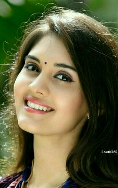 beauty face indian results - ImageSearch Beautiful Girl Indian, Most Beautiful Indian Actress, Beautiful Girl Image, Beautiful Smile, Beauty Full Girl, Cute Beauty, Beauty Women, India Beauty, Asian Beauty