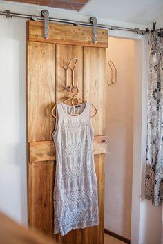 Amazing Details zu begehbarer Kleiderschrank KLEIDERSTANGE Kleiderst nder GARDEROBEZIMMER Art W Open wardrobe Hanging shelves and Master closet