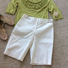 """WHBM white Bermuda shorts WHBM white Bermuda shorts. Lined. 97 cotton 3 spandex. Approx 13"""" inseam. Laying flat waist approx 15"""" across. Size 4. Excellent condition. White House Black Market Shorts Bermudas"""