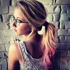 VERY CHARLOTTE FREE ... Pink hair #ponytail #chalk #hair