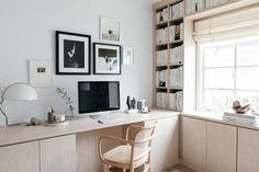 California Closets Built-In Bookshelves: Our Home Office Design – Anne Sage – Home Office Design Corner Zen Home Office, Home Office Design, Home Office Decor, Home Decor, Cheap Home Office, Home Office Closet, Office Den, Home Office Storage, Bookshelves Built In