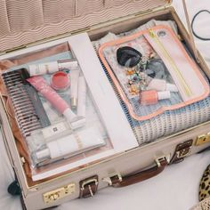 Working Girl's Guide To: Packing Light