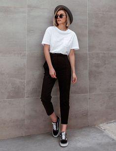 Look minimalista – como se vestir de maneira minimalista Mode Outfits, Trendy Outfits, Fashion Outfits, Fashion Tips, Fashion Trends, Womens Fashion, Fashion Clothes, Moda Fashion, Fashion Fall