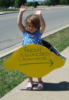 lemonade stand - summer activities for kids -summertime Source by aspenjaydesigns. Lemonade Stand Sign, Kids Lemonade Stands, Summer Activities For Kids, Summer Kids, Fun Activities, Kids Corner, Bake Sale, Projects For Kids, Kids Crafts