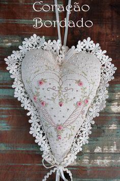 Coração Bordado - autora Lilian Schnepper