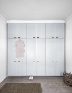 &SHUFL wardrobe on Pax (ikeahack). With fronts from &SHUFL painted collection. A wardrobe out of the ordinary!  The colour was developed by our design team, who aimed for a perfect mix of grey and light blue. It is named Kroyer Northern Sky and is part of our newly launched painted collection. 👨🎨