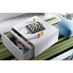Con este clima hoy quedamos en casa. Juegos de mesa y buena compañía :)   #diseño #hogar #casa #decoración #salón #Galicia #fashion #cool Cool, Floating Nightstand, Instagram Posts, Table, Furniture, Home Decor, Board Games, Mesas, Home