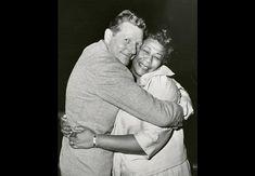 Danny Kaye cuddles Ella Fitzgerald guest on his 1967 U. TV show. Hollywood Actor, Golden Age Of Hollywood, Hollywood Stars, Classic Hollywood, Hollywood Party, Great American Songbook, Ethel Waters, Hattie Mcdaniel, Eartha Kitt