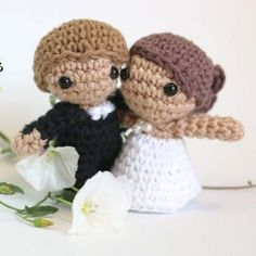 Wedding amigurumi bride and groom dolls. (Free crochet pattern with video tutorial).