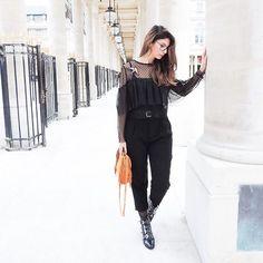 Le lundi look de cette semaine est en ligne mes chats 🐱 du noir, du tulle, des plumetis et des clous ... tout ce que j'aime 💗  #lundilook #shoesoftheday #black #outfit #outfitoftheday #lookbook #look #lookoftheday #mode #fashionblogger #blogger #igersfrance #igersparis #upef #pligcember #pligde #parisienne #shoestagram #maje #zaraaddict #bershka