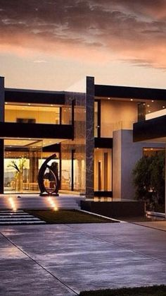 Residential Architecture, Modern Architecture House, Modern Buildings, Architecture Design, Miami Houses, Industrial House, House Front, Future House, Facade