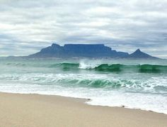 Table mountain Beautiful Nature Pictures, Table Mountain, African Beauty, Acrylic Paintings, Cape Town, South Africa, Places To Go, Blessed, Spaces