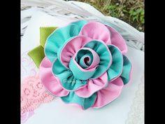 Grosgrain Ribbon Rose - How to Make Grosgrain Ribbon Flowers Ribbon Art, Diy Ribbon, Ribbon Crafts, Fabric Ribbon, Flower Crafts, Ribbon Bows, Grosgrain Ribbon, Fabric Flowers, Ribbons