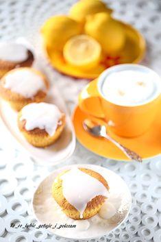 Muffinki cytrynowe z makiem   To co lubię gotuję Panna Cotta, Mango, Ethnic Recipes, Food, Beauty, Manga, Dulce De Leche, Essen, Meals