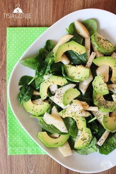 Sałatka ze szpinakiem, awokado i gruszką | Tysia Gotuje blog kulinarny