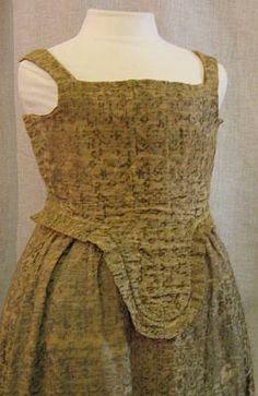 Green cut velvet dress (missing sleeves), Italian, c. early 17th C.