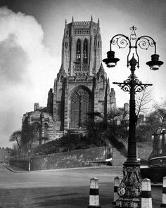 Victorian street lamp standard lends a new look to the much photographed Liverpool Cathedral, February Liverpool England, Liverpool Town, Liverpool History, Liverpool Cathedral, Liverpool City Centre, Old Pictures, Old Photos, Antique Photos, Victorian Street