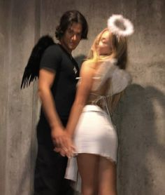Couples Halloween Outfits, Cute Couple Halloween Costumes, Halloween Inspo, Couple Costumes, Women Halloween, Sexy Couples Costumes, Halloween Makeuo, Celebrity Halloween Costumes, Diy Halloween