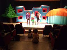 Ümraniye Belediyesi tarafından düzenlenen çocuk tiyatroları, Ümraniyeli çocuklara keyifli bir hafta sonu yaşattı.