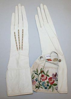 Leather & silk gloves from the Galeries Lafayette, Vintage Gloves, Vintage Bags, Vintage Outfits, Mega Fashion, Retro Fashion, Vintage Fashion, Vintage Accessoires, Leather Gloves, Mitten Gloves