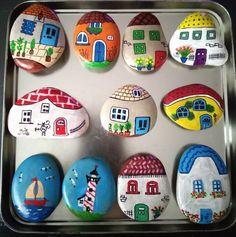 Rock Painting Designs, Stone Pictures, Pet Rocks, Stone Crafts, Craft Corner, Pebble Art, Stone Art, Christmas Art, Stone Painting