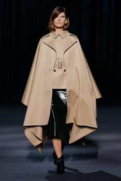 afb86f15c2e5 Givenchy Fall 2018 Ready-to-Wear Collection - Vogue Fashion Week 2018