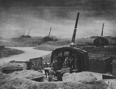 British 114-mm anti-aircraft guns in London.