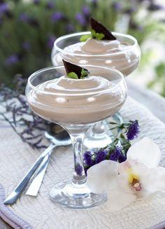 Nydelig sjokoladedessert for søtmonser! For oss som er glad i mintsjokolade, er dette en super dessert.