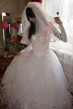 White Wedding Dresses, Wedding Gowns, Tgirls, Crossdressers, Beautiful Bride, Pretty Dresses, Marie, Ball Gowns, Flower Girl Dresses