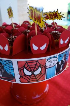 Comic strip print around cake stand instead of cake! Superhero Party Decorations, Birthday Party Decorations, Comic Party, Spiderman Theme, Power Ranger Party, Superman Party, 4th Birthday Parties, Party Time, Tequila