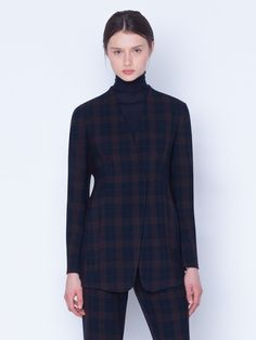 Long jacket in polyester viscose stretch plaid. Cardigan style with zip closure and seam pockets. Cardigan Fashion, Long Jackets, Knit Cardigan, Cashmere, Stylists, Plaid, Closure, Pockets, Blazer