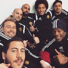mbatshuayi : Selfie time  Let's go @hazardeden_10 @axelwitsel28 @nc22back #JFGillet #Ciman #AVDB #RedDevils #Belgium #Euro2016 ⚽