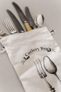 A convenient storage or travel bag for cutlery – ideal for picnics, camping or just keeping the family's finest silverware safe. Printed on the front with a