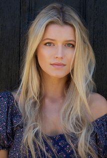 Lily Travers Picture