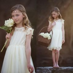 2016 New Vintage White Ivory Cream Lace Dress Flower Girl Dress For Weddings Jewel Short Sleeves Chic Rustic Infant Dresses Princess Baby Dresses Toddler Gown