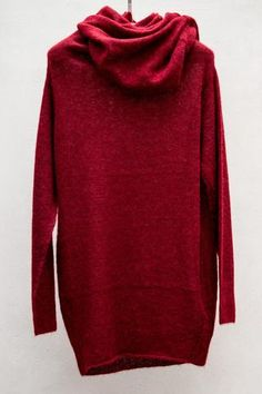 Irresistible, red and comfy.  I just want to wrap myself up in it, grab a warm drink, and read a good book.  bliss blog - i heart monday.// PAS DE CALAIS via Heist