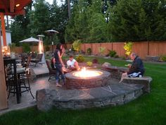 Backyard Fire Pit Ideas of Your Dream : Backyard Design Ideas With Fire Pit. Backyard design ideas with fire pit. Diy Fire Pit, Fire Pit Backyard, Backyard Patio, Flagstone Patio, Backyard Fireplace, Backyard Furniture, Diy Patio, Fire Pit In Garden, Patio With Firepit