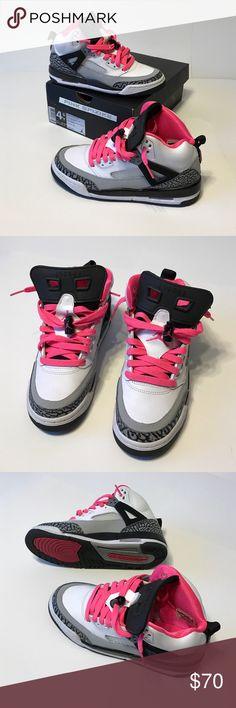 Like New Jordan Hyper Pink Spizike 4.5Y Like New Jordan Spizike GG White/Hyper Pink/ Black/ CL Grey GS Size: 4.5Y fits a WMNS 6 , Includes Original Box Jordan Shoes Sneakers
