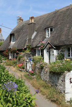 beautifulengland: Old Dolphin Cottage / Kiddleywink Cottage ~ Cadgwith, Cornwall