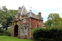 gate house new forest.jpg